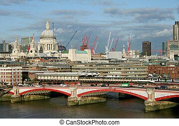 Blackfriars Bridge - Sunny afternoon London panorama with...