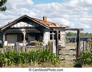 Abandoned - An old house that has been burnt out &...
