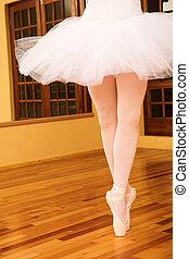 #13, bailarina