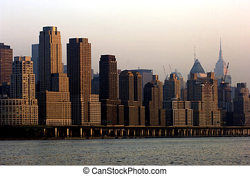 Midtown Manhattan - Henry Hudson parkway and midtown...