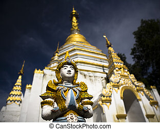 Temple - San Mui temple. Picture taken in Chiang Mai /...
