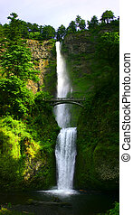 Multnomah falls - Multnomah Falls near Portland, Oregon,...