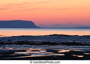 Beach sunset - Cape Blomidon Mountain, from Summerville...