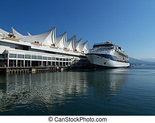 Cruise ship - cruise ship berthed in the Vancouver, home of...