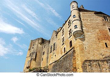 Chateau de Beynac from below