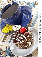 Strong spring tea and cake - Strong spring fragrant tea in a...
