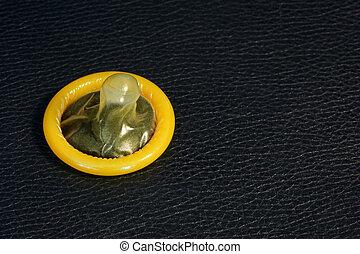 amarillo, condón