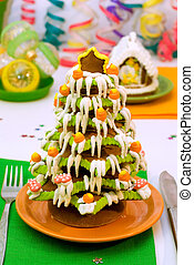 Gingerbread Christmas tree and house - Served Gingerbread...