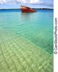Shipwreck of Tonga - My Lady Lata II Shipwreck, Pangaimotu