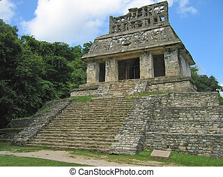 Temple maya in the jungle, Palenque, Mexico - Temple maya in...