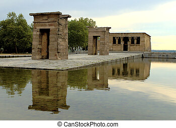 Temple of Debod 2 - The temple of Debod in Madrid