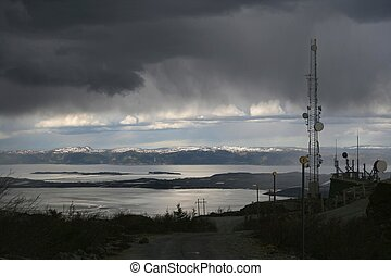 Antennas in bad weather - Communication tower in very bad...