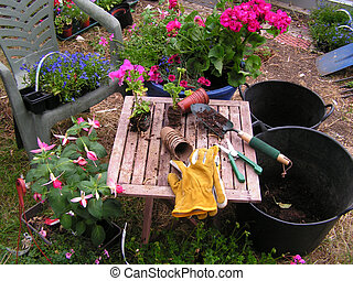 Gardener\\\'s potting table - Gardeners potting table and...