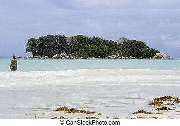 Chauve Souris - Tiny tropical island facing beautiful Cote...