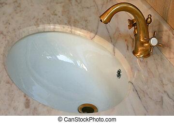 Oro agua grifo images and stock photos 534 oro agua grifo for Grifo dorado