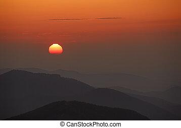 Sonnenaufgang über Nieder - Der Ausblick vom Unterberg...