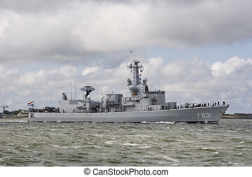 destroyer - dutch destroyer leaving the harbour of den...