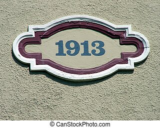1913 - A date plaque on an old building