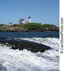 Nubble waves - Nubble lighthouse