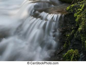 cascadas, exuberante