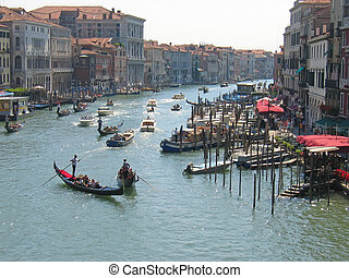 Condolas on a the main water canal, Venice, Italia -...