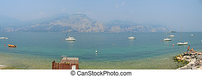 Garda lake with mountains and some boats, Italia, Panorama -...