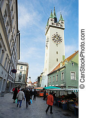 Straubing 2 - The market in front of the Stadtturm in...