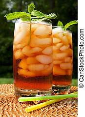 Ice tea - Two glasses of ice tea garnished with mint