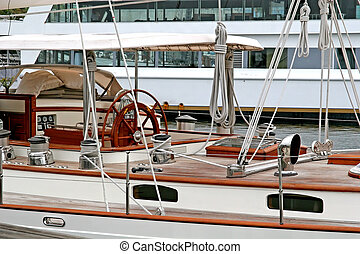 Yachts Wheel - The wheel house of a classic old yacht