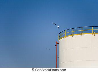 Fuel storage 5