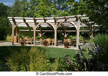 Garden Entertaining - Nice place to entertain in this garden