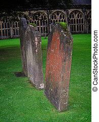 Trois, vieux, pierres tombales