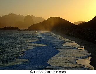 Corcovado view from Piratininga beach, Niterói, Rio de...