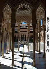 patio de los leones, alhambra, granada, Spain