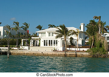White Mansion and house - Expensive water front houses in...