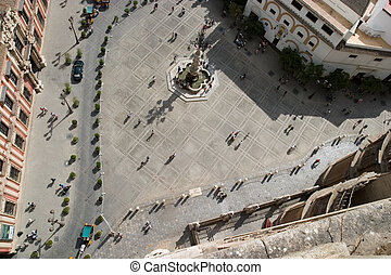 Fountain from the Giralda - Fountain from the top La...
