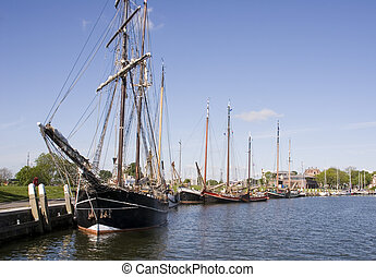 sailboat - boat in a dutch harbour