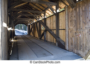 Covered Bridge, Vermont - \\\'Kissing Bridge\\\' Covered...