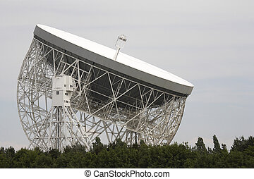 lovell radio telescope - jodrell bank radio telescope...
