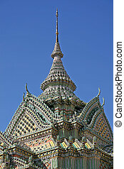 Wat Pho architecture - Roof detail of the temples in Wat...