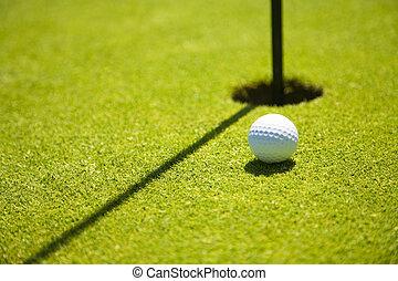 Golf clubs - Golf club: ball close to the 18th hole