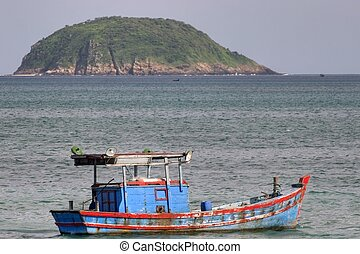 Vietnam fishing boat - painted vietnam fishing boat, con dao...