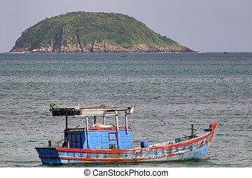 Vietnam fishing boat - painted vietnam fishing boat, con dao...