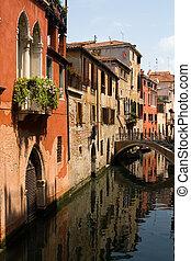 Venice - Small canal in Venice  (Canon EOS 30D)
