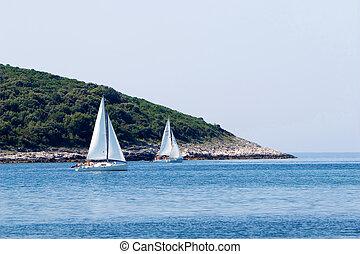 sailing leisure competiti