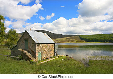 Auchintaple Loch 6 - A peaceful inland Scottish Loch in...
