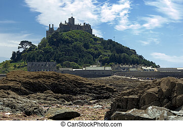St Michaels Mount - Tourists walking along causeway at low...