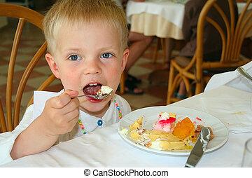Boy eating Icecream - Small boy, eating Icecream, Rhodes...
