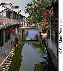 Canals Zhou Zhuang, China - The ancient city of Zhou Zhuang...