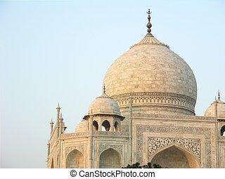 Taj Mahal - Classic view of Taj Mahal from West Gate